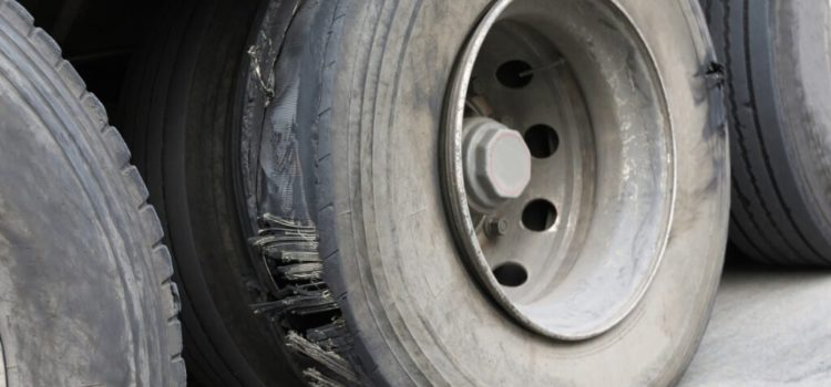 How to Handle Fleet Truck Tire Blowouts
